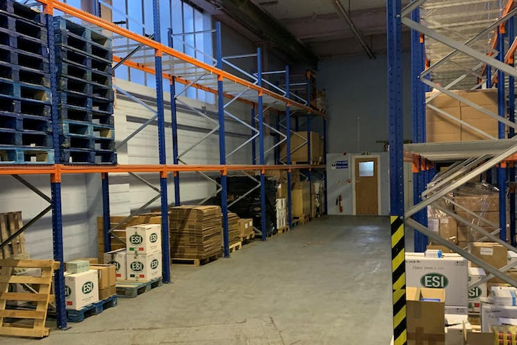Unit 16, 1-11 Willow Lane, Mitcham, Warehouse & Industrial To Let / For Sale - IMG_0548 - landscape.jpg