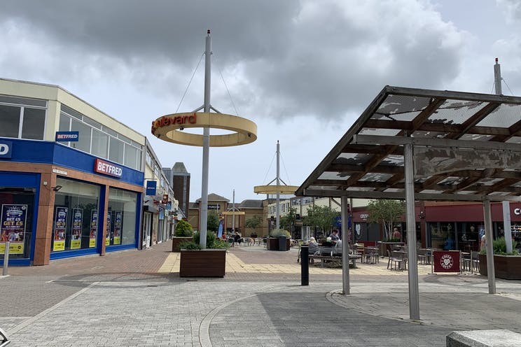 1 Queens Parade, Waterlooville, Retail To Let - 20210705 131846.jpg