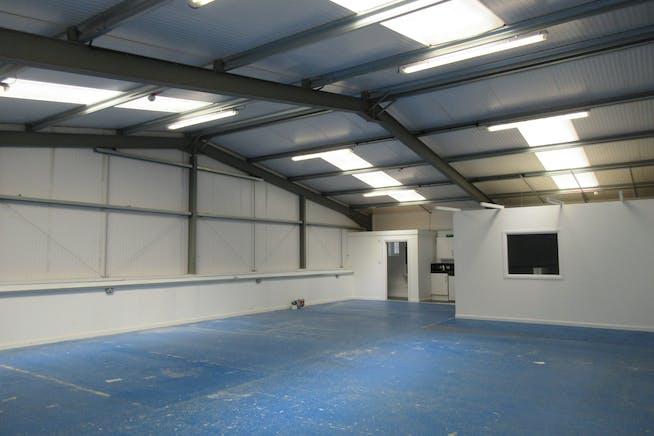 Unit 17 Vicarage Farm, Halliford Road, Sunbury On Thames, Warehouse & Industrial To Let - IMG_2016.JPG
