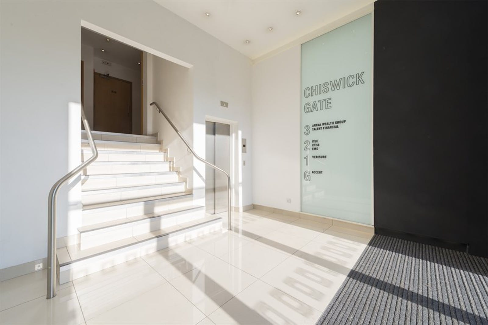 Chiswick Gate, Chiswick, London, Office To Let - 002_Property (1).jpg