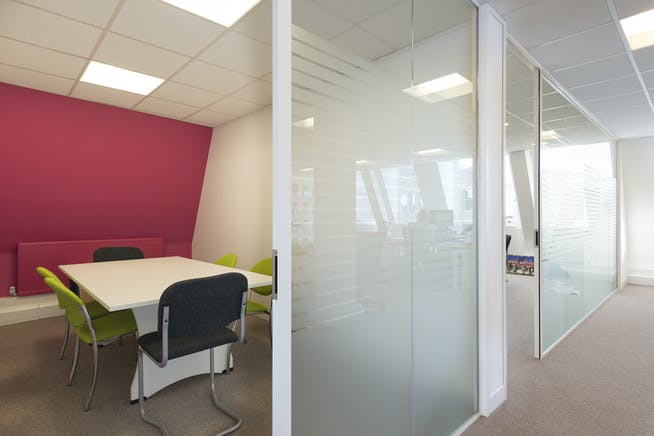 25 To 29 Queen Street, Maidenhead, Office To Let - Third floor 1.jpg