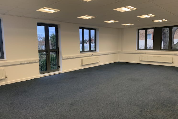 Unit 10  Axis, Leatherhead, Offices To Let - IMG_5845.jpg