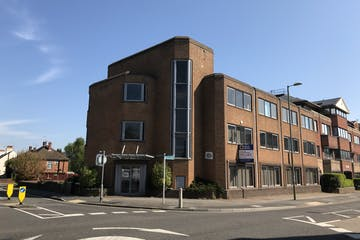 Hartshead House, 61 Victoria Road, Farnborough, Offices To Let - IMG_2243.jpg