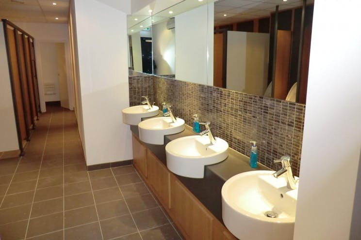 Ground Floor Left, Ashcombe House, 5 The Crescent, Leatherhead, Offices To Let - Bathroom