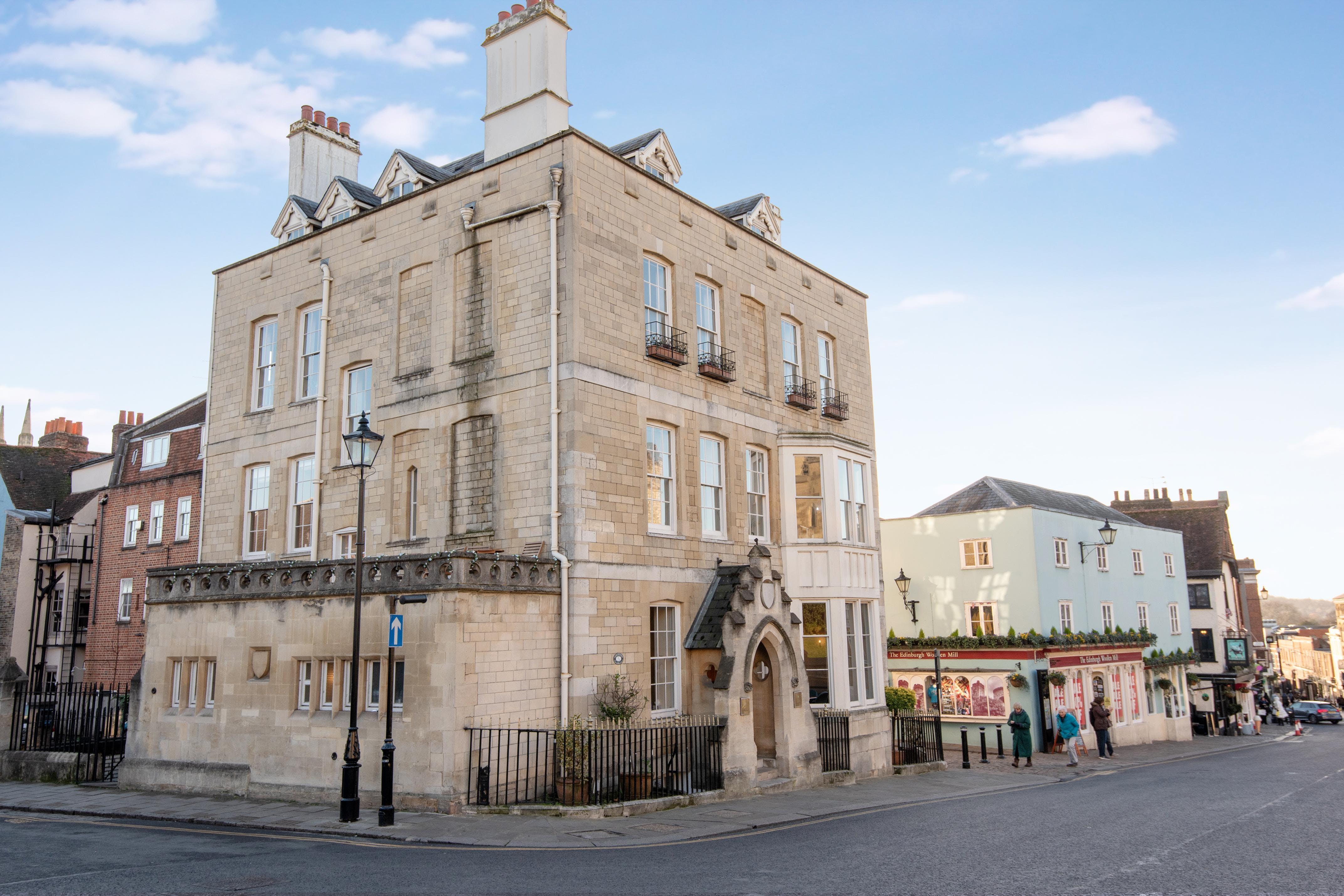 Castle Hill House, Castle Hill, Windsor, Serviced Office To Let - 421591 (1).jpg