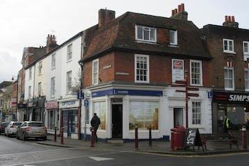 1 Windsor Street, Chertsey, Retail To Let - IMG_1011.JPG