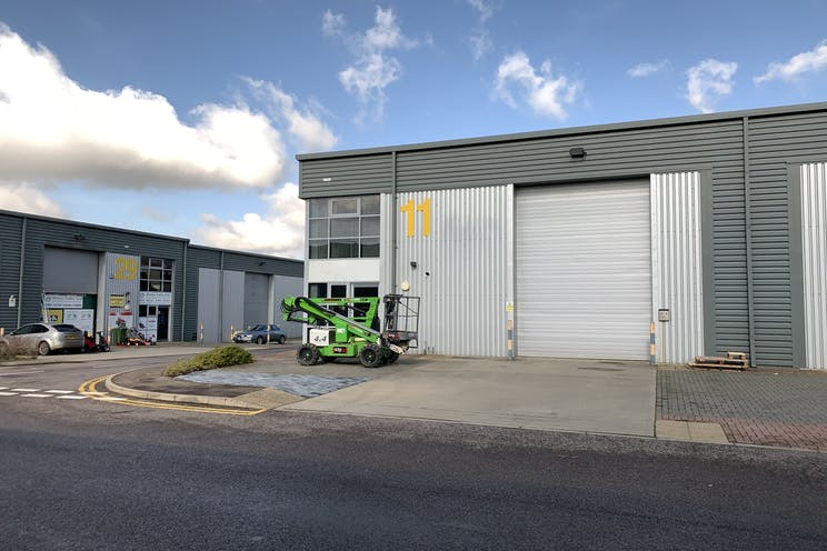 Unit 11 IO Centre, Salfords, Warehouse & Industrial To Let - IMG_2722.jpg