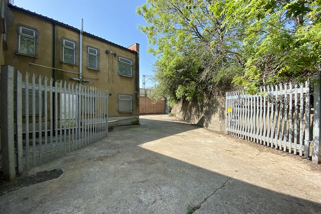 Unit 1 Hutchins Close, Stratford, Office / Industrial To Let - IMG_1354.JPEG