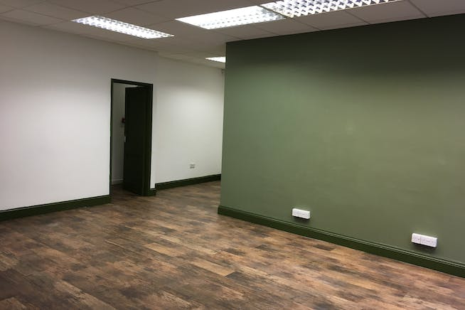4A Cleary Court, Cleary Court, Woking, Retail To Let - IMG_1777.JPG