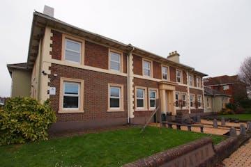 Ground Floor Hayworthe House, Market Place, Haywards Heath, Office To Let - P1224897.JPG