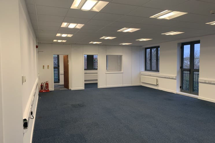 Unit 10  Axis, Leatherhead, Offices To Let - IMG_5853.jpg