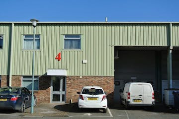 Unit 4, The Royston Centre, Farnborough, Warehouse & Industrial To Let - DSC_3597.jpg