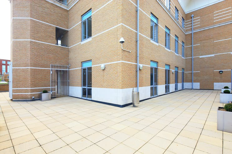 Magna House, 18-32 London Road, Staines, Offices To Let - A Exterior 08.JPG