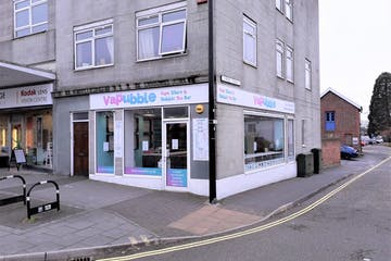 9 Clock House, Waterlooville, Retail To Let - 20190405_165554.jpg