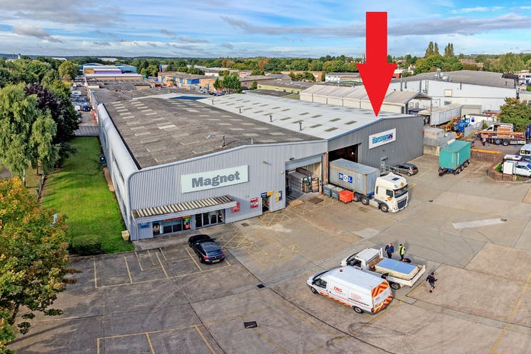 17a Invincible Road, Farnborough, Warehouse & Industrial To Let - 17 InvincibleRoadFarnborough10q.jpg