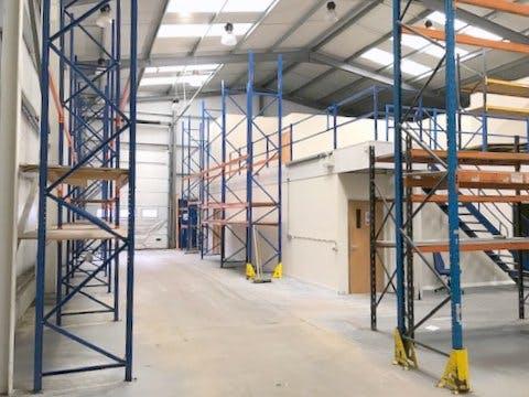 Ocean House, Sunbury, Industrial To Let - IMG_9831.jpg