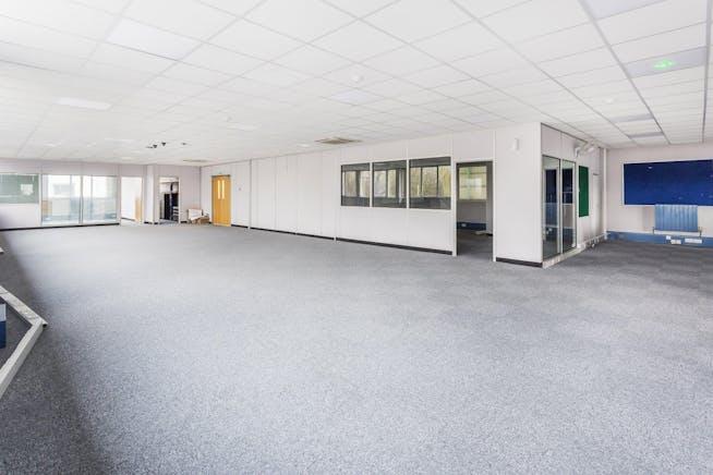 Penta House, Lynchford Lane, Farnborough, Warehouse & Industrial To Let - rV-BBppQ.jpeg.jpg
