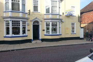 Lyndum House, 12 High Street, Petersfield, Retail To Let - 238-1585-1024x768.jpg