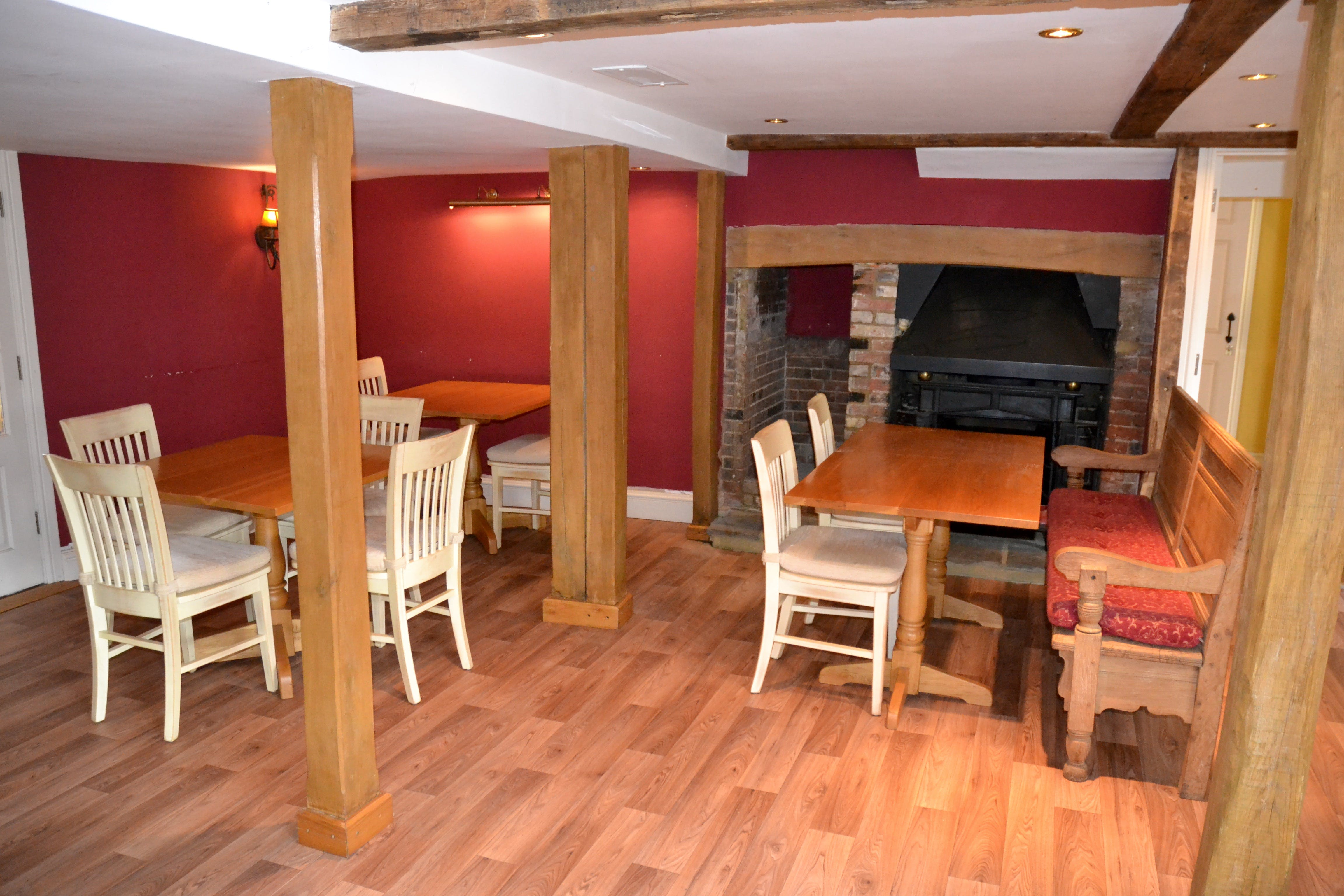 The Crown Inn, Tenterden, Leisure / Retail For Sale - DSC_0040.jpg
