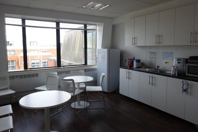 Queens Court, 9-17 Eastern Road, Romford, Offices To Let - Romford_Office_Kitchen_To_Let.JPG