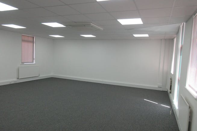 Unit 2, The Old Forge, South Road, Weybridge, Offices To Let - IMG_2500.JPG