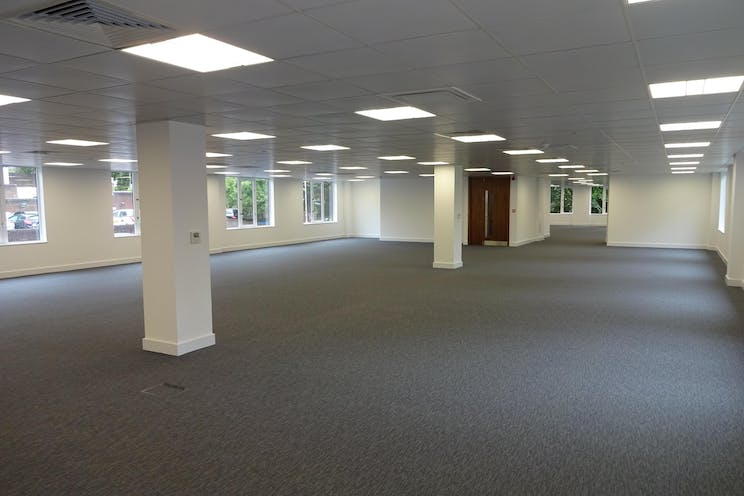 Betchworth House, 57-65 Station Road, Redhill, Offices To Let - DSC01682.JPG