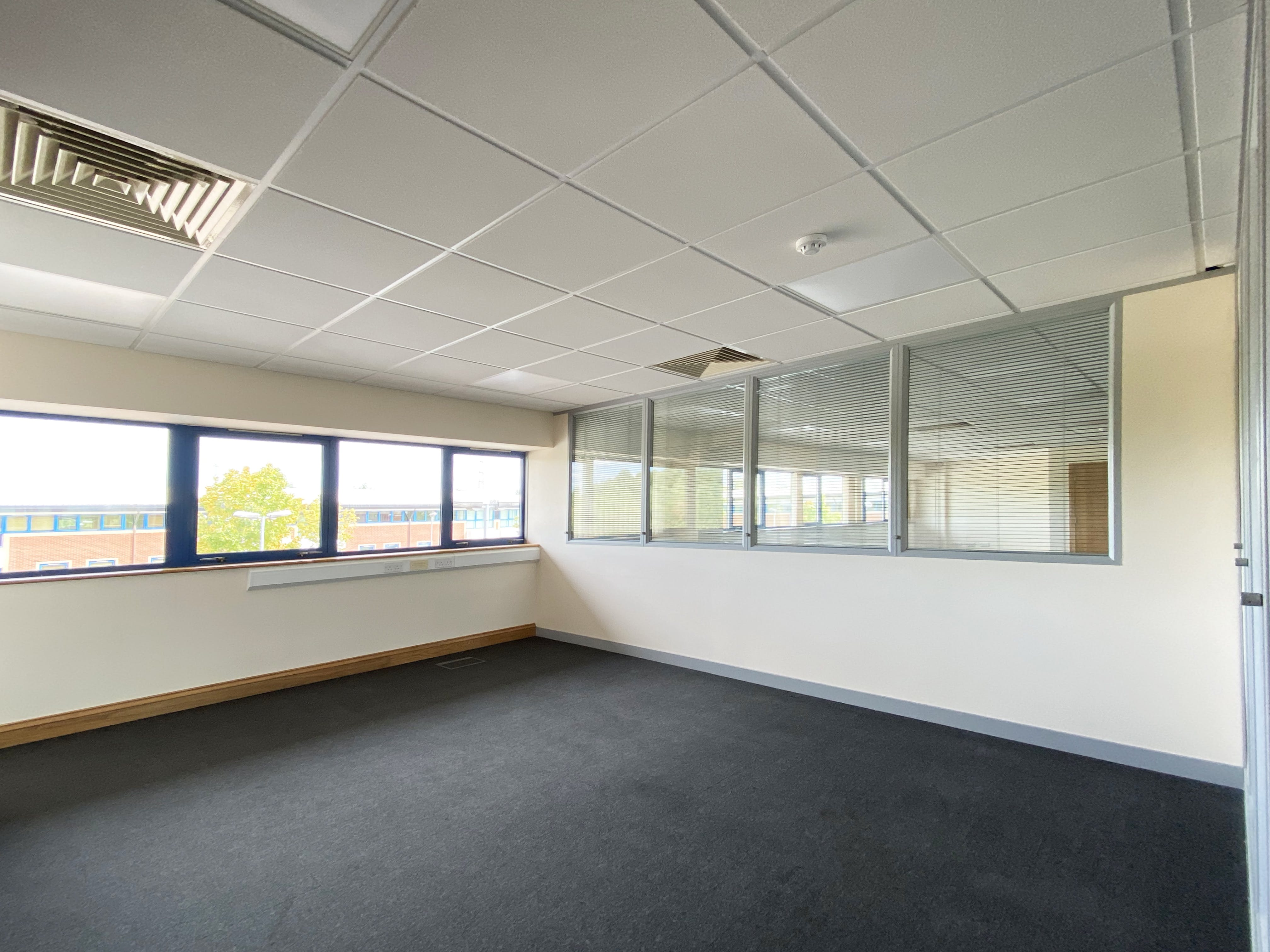 Unit 7, 8 & 9, Theale Lakes, Reading, Offices To Let - IMG_8352.jpg
