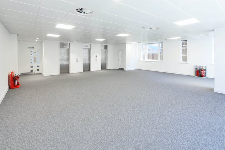 Hollywood House, Church Street East, Woking, Offices To Let - B 2nd Floor 02.jpg