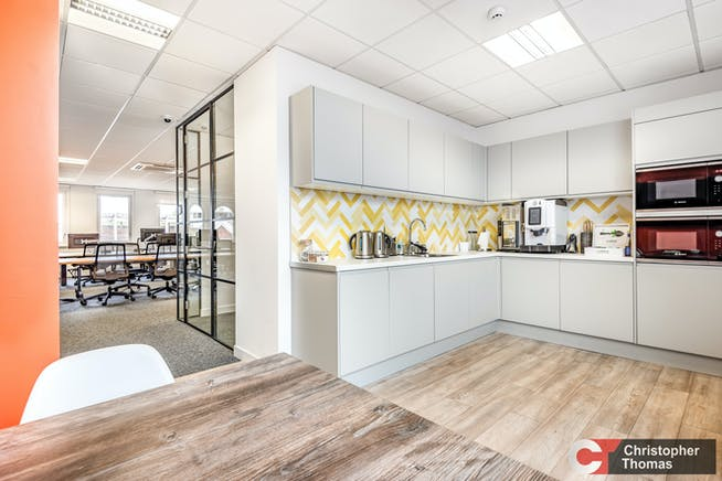 Amberley House, Windsor, Office To Let - 77a78e0a4ef641c5975b0a770160d44f.jpg