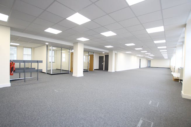 Suite 5B, Westmead House, Farnborough, Offices To Let - IMG_1952.JPG