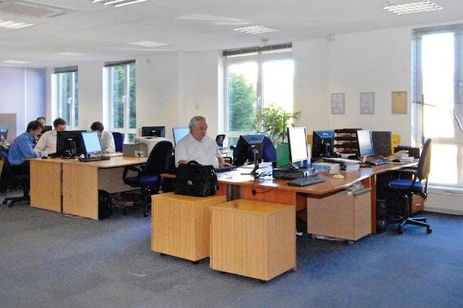 188 High Street, Egham, Office To Let - 188 High Street Egham interior.jpg