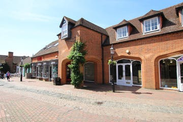 5A Lion & Lamb Yard, Farnham, Retail To Let - IMG_6090.JPG