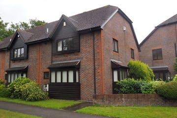 3 Kings Court, Horsham, Office To Let - P8140030amend.jpg