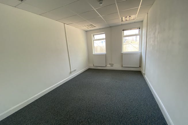 Unit 1 Hutchins Close, Stratford, Office / Industrial To Let - IMG_1365.JPEG