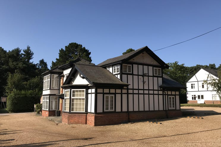Wolfe Lodge, Bordon, Offices To Let - IMG_0124.jpg