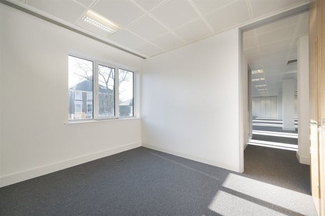 Chiswick Gate, London, Office To Let - 016_Property.jpg