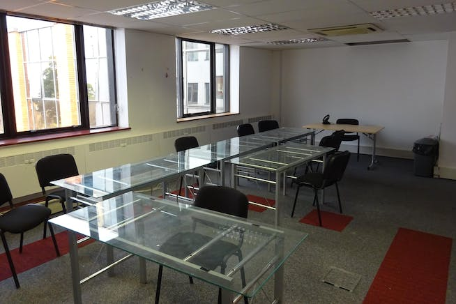 Queens Court, 9-17 Eastern Road, Romford, Offices To Let - Romford_Office_To_Let.JPG