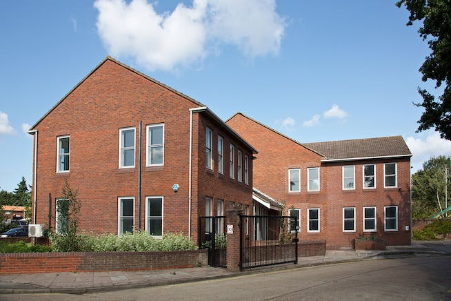 Towergate House, Wintersells Road, Byfleet, Offices To Let / For Sale - 3D3A2572.jpg