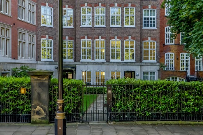 16 Old Queen Street, Victoria, London, Serviced Office To Let - 001_Property.jpg