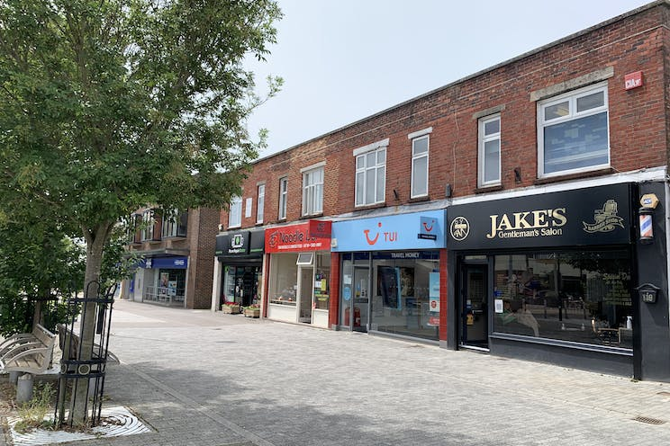 1 Queens Parade, Waterlooville, Retail To Let - 20210705 131749.jpg