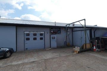 Unit 2A Cobbs Quay Marina, Woodlands Avenue, Poole, Industrial & Trade To Let - P1000374 sm.jpg