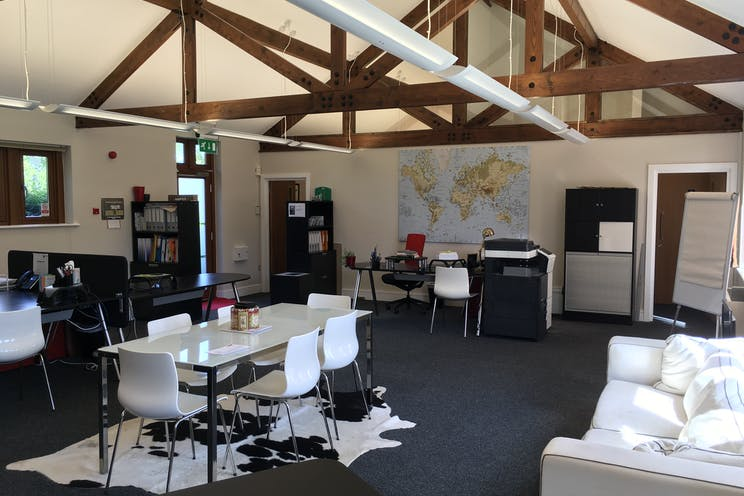 Unit 10 Diddenham Court, Reading, Office To Let - Open Plan Office