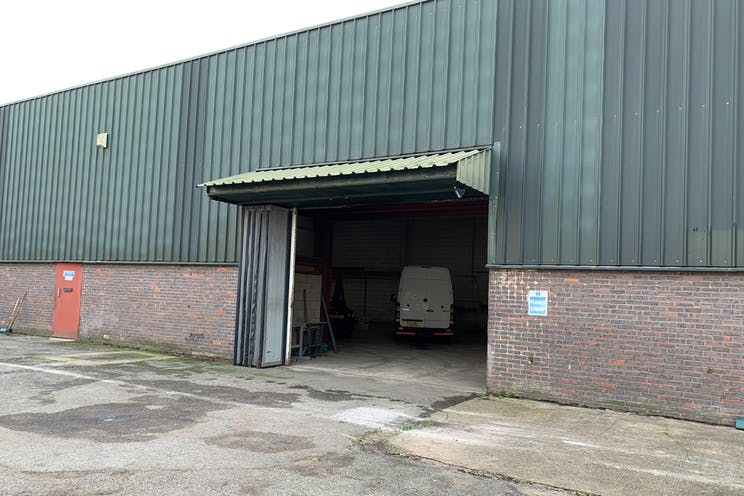 Securit House, Lagham Road, South Godstone, Warehouse & Industrial To Let - IMG_0404.jpg