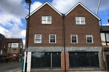 106-108 Fleet Road, Fleet, Retail To Let / For Sale - IMG_5261.JPG