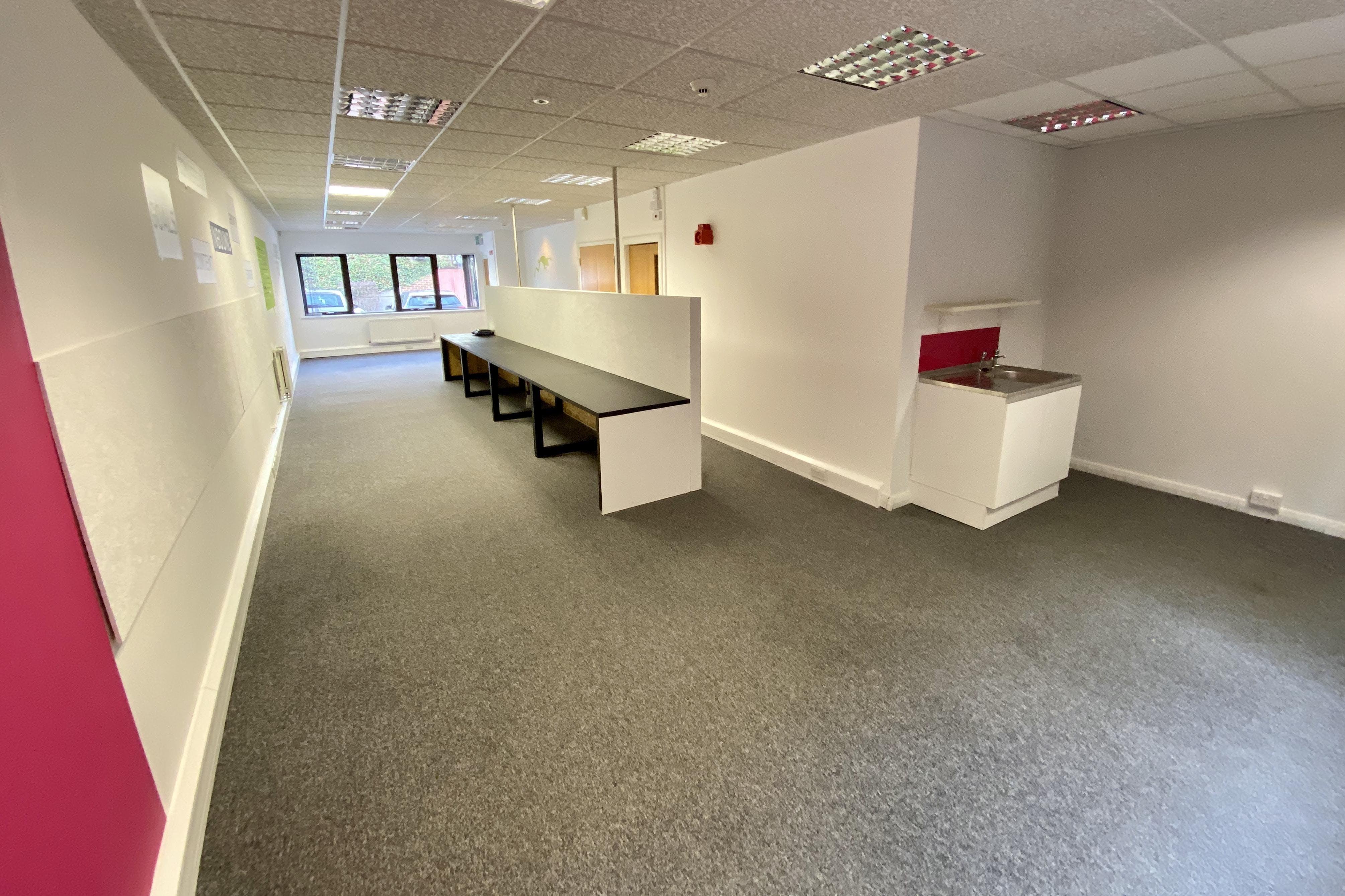 3 St. Andrews Court, Thame, Office To Let - IMG_4207.jpg