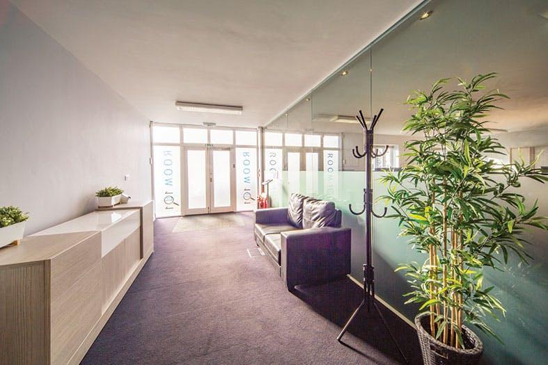 Unit 1 The Bullpens, Basingstoke, Offices To Let - The_Bullpens_Unit_1_reception.jpg