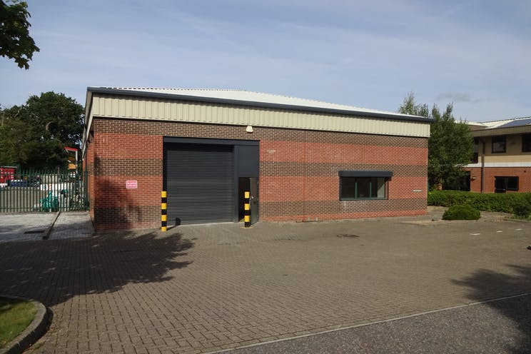 Unit 13B, Perrywood Business Park, Salfords, Warehouse & Industrial To Let - 20.08.18 (13).JPG