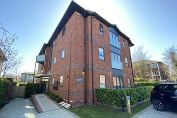 Bloomfield Apartments, Horton's Way, Westerham, Residential To Let - IMG_8538.jpg