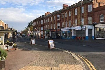 194 High Street, Egham, Retail To Let - IMG_5329-640x386.jpg