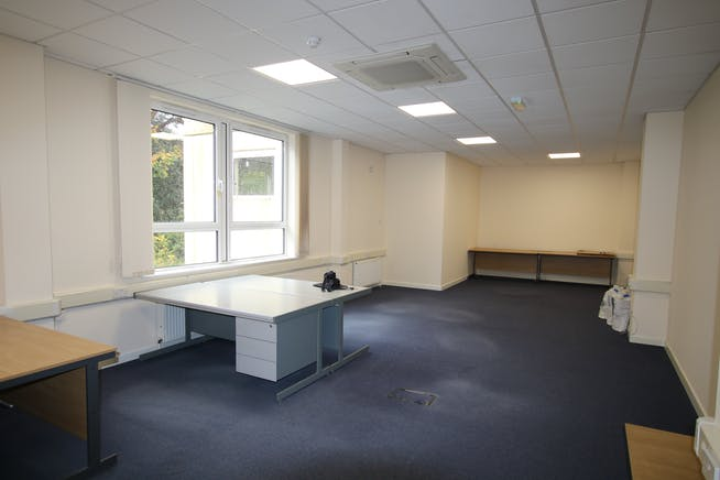 Suite 8A Bourne Gate, 25 Bourne Valley Road, Poole, Office To Let - IMG_3258.JPG